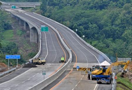6 Ruas Tol Baru Beroperasi Pada 2017